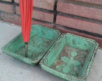 Vintage 1900s Drip Pans Umbrella Stand Drip Tray Cast Iron Loaf Cake Mold 1 PR
