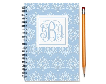 18 month planner with monogram, Start any month,  Personalized weekly planner, 2017 2018 2019 month customizable planner, SKU: epi whtflm
