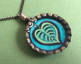Green Leaf - Original Illustration Pendant - Vintage Bottle Cap Necklace - Antique Brass Chain - Art Jewelry - Green Thumb