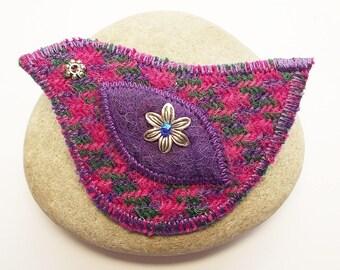 Pink Hounds-tooth Harris Tweed Bird Brooch Pin