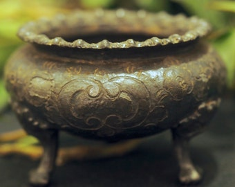 Antique Cauldron for a Wiccan Altar, Ritual, Offering Bowl - Pagan, Witchcraft, Magic, Upcycled slightly damaged