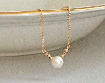 Single Pearl Necklace Dainty Gold Necklace 14K Gold Fill Freshwater Pearl Tiny Gold Beads Modern Jewelry Pearl Sequin Chevron Necklace