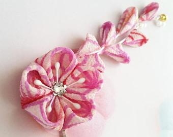 Pink Red Japanese Traditional Geometric Hemp Leaves Pattern Design Kimono Kanzashi Fabric Flower Hair Clip