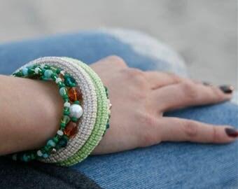 Crochet beaded memory wire bracelet