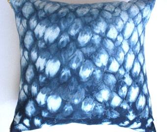 Honeycomb Pillow in Indigo