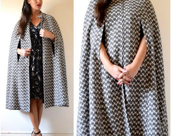 Vintage 50s 60s Grey and White Wool Bell Shaped Zip Up Cape