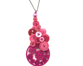 Magenta Pink Big Chunky Vintage Button Statement Pendant Style Necklace - ooak
