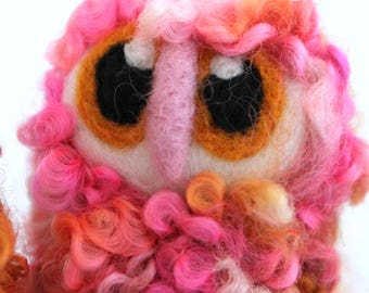 Pink Owl Baby Needle Felted OOAK Owl Baby, Felt Bird, Felt Owl in Hand Dyed Wensleydale Wool