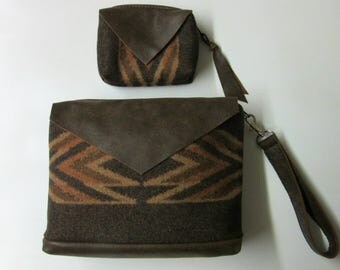 Set Includes Wrist Bag plus Matching Change Pouch Clutch Bag Removable Strap Soft Brown Leather Trim Blanket Wool from Pendleton Oregon