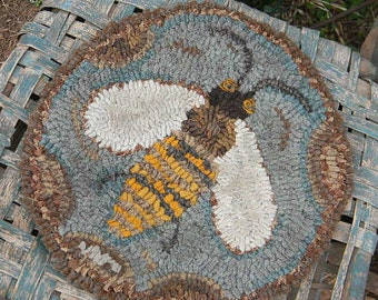 Honeybee Chair Pad rug hooking pattern - Paper or Linen - from Notforgotten Farm™