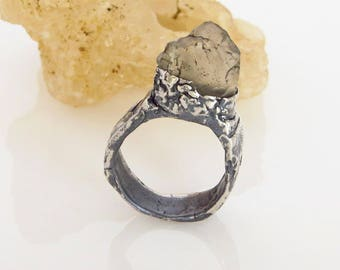 chunky rugged & organic raw apatite nugget sterling silver ooak solitaire ring