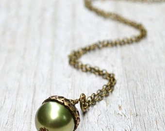 Pearl Acorn Necklace,Acorn Pendant Necklace, Light Green, Acorn Charm, Antiqued Brass, Swarovski Pearl, Autumn Jewelry, Gift under 30