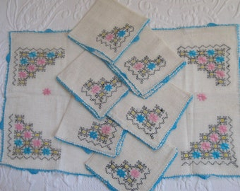 6 embroidered napkins . hand crochet edges . made in Turkey