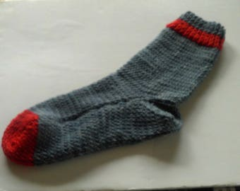 Hand Knit Hand Dyed  Fisherman,s Wool Socks Pearl Gray & Red Sz. Large Size 8-10
