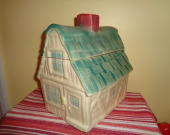 Charming Vintage Brush Pottery House Cottage Cookie Jar