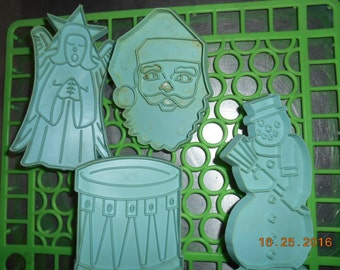 Vintage set of 4 Blue Christmas Cookie Cutters Stanley Home Products