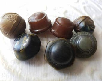 Vintage Buttons - 7 assorted brown novelty light weight celluloid some metal back (mar 308  17)