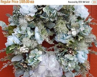 Christmas Wreath...Holiday Wreath....Front Door Wreath.....Christmas Decor