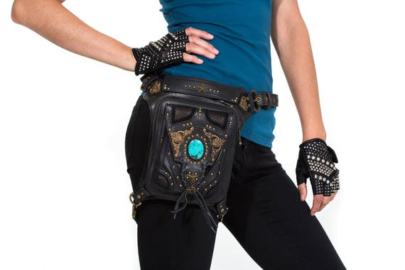 VINTAGE VIBES Black Leather Holster and Hip Bag With Turquoise