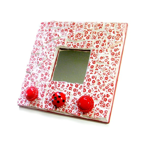 Mosaic Mirror Hat Rack, Red White Floral Mosaic Mirror with Knobs, Red Hat Society Mirror with Hooks, Recycled Upcycled Mirror, Red White