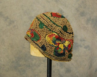 vintage 20s Cloche Hat - 1920s Flapper Hat - Embroidered Mesh Cloche