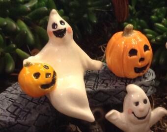 Ceramic Ghost  OH MY, its a sitting GHOST   With jol pumpkin Boo   terrarium miniature glazed Pottery . Spooky Boo Goblins Halloween decor s