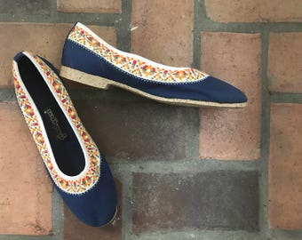 1970s Vintage Vegan Boho Grasshoppers Blue Embroidered Shoes  9