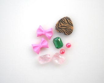 Mixed lot of Assorted collection of beads, plastic beads, Bow beads, Crystal Acrylic beads, Heart bead,  Emerald green Cabochon, Sale! 8