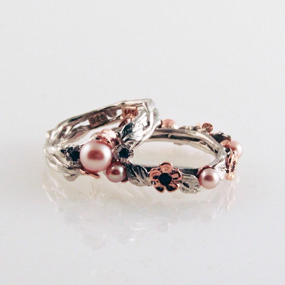 anillo de perla u azul zafiro rosa hecho con reciclado de plata y oro rosa k