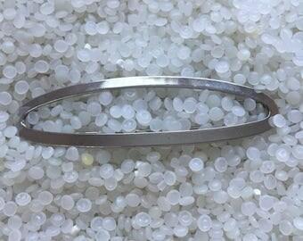 silver tone 1980s   vintage barrette, large open oval