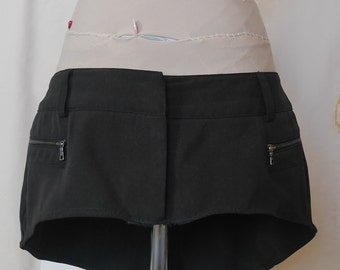 Black Hip Skirt With Oval Back