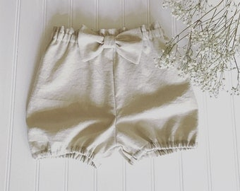Beige linen bloomers for girls, beige linen bloomers for babies and toddlers. Ivory linen shorts for girls, ivory linen bloomers