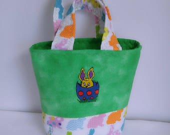 Little Girl's Easter Purse,Quilted Little Girls Purse, Easter Bags,Rainbow Bunny Purse, Machine Embroiderd Bunny, Little Girl Spring Purse