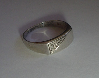 Silver signet ring sterling vintage slim rectangular engraved 9.5 UK S.5
