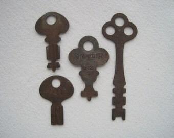 Keys, 4 Vintage Keys, Antique Keys, Old Keys, Steampunk Keys, Flat Keys