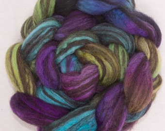 Hand dyed spinning fiber, fibre, combed top, Hand painted roving, Humbug Corriedale, felting fibre, colour; Miles apart