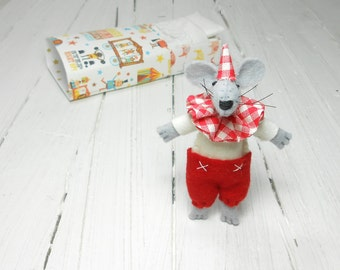 Stuff felt animal mouse clown blythe pet toy hand made doll christmas  gift stocking stuffer holiday figurine mantle kids room white red