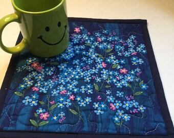 Quilted Blue Floral Mug Rug, Blue Floral Quilted Mini Placemat, Floral Quilted Snack Mat' Blue Pink Forget Me Nots