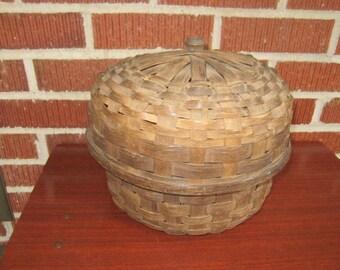 Vintage Sturdy Large Wood Splint Basket with Lid