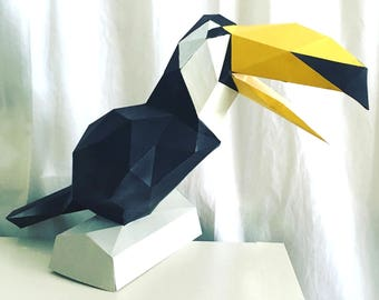 Toucan 3d papercraft. You get a PDF digital file templates and instructions for this DIY (do it yourself) minimalist paper model.