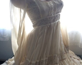 1970's Vintage Gunne Sax Ivory Cream Floral Bridal Victorian Prairie Gown~7