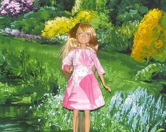 STCE1-87) Stacie doll clothes, 1 pretty dress