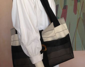 summer black and white tote
