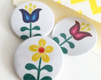 Pack of 3 or 6 Scandinavian Flower badges, cute gift, cute badges, lapel pin, Pin badge, party bag fillers, party favours, Stocking fillers,