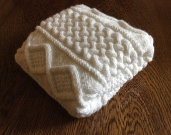 PRICE REDUCED, Chunky hand knit baby blanket, White 26x36