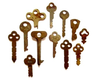 12 vintage keys Antique keys Old keys Interesting old keys Flat keys Old Odd keys Bulk keys Wedding Authentic keys Real keys Original #5F