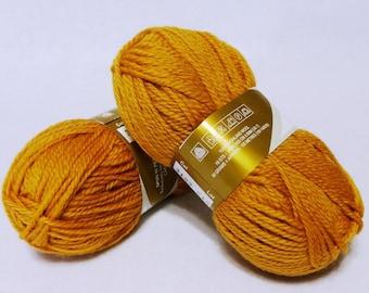 Stash Sale - Peruvian Highland Wool, Wool Yarn, Gold Wool Yarn, Highland Wool, Elann Peruvian Highland Wool, Sale Yarn - 2 skeins - Gold #1