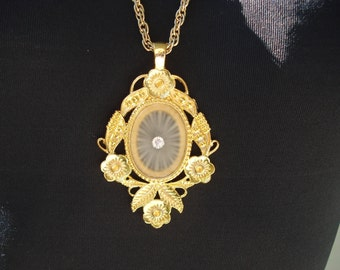 Vintage Art Deco Camphor Starbust Glass Gold Pendant Necklace Victorian Inspired Floral