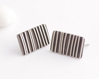 Graphic Line Design Silver Post Earrings