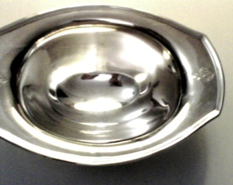 Vintage Silver Oval Sauce Boat, 4 Shell Legs, Absolutely Elegant old Community Silverplate